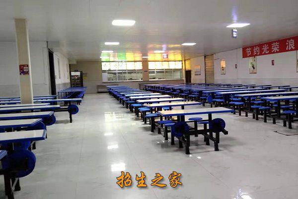 成都融创单招培训学校成都融创单招培训学校食堂